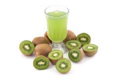 Jugo y frutas del kiwi foto de archivo