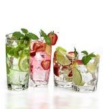 Jugos de fruta con hielo Fotos de archivo libres de regalías