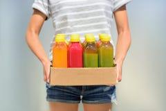 Jugos planchados en frío de las frutas y verduras para la dieta Fotografía de archivo libre de regalías