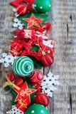 Juguete blanco rojo del día de fiesta de la composición de la Feliz Navidad Imagen de archivo libre de regalías
