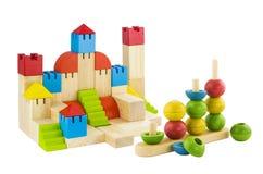 Juguete colorido de los bloques de madera de la imaginación aislado Foto de archivo