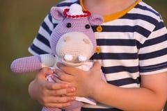 Juguete de Amigurumi Hipopótamo Fotografía de archivo libre de regalías