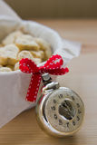 Juguete de cristal del árbol de navidad del reloj del vintage soviético de la era Fotografía de archivo