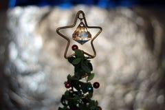 Juguete de la decoración del árbol de navidad, lugar para el texto Foto de archivo libre de regalías