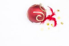 Juguete de la Navidad en la nieve blanca Imágenes de archivo libres de regalías