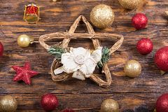 Juguete de la Navidad en un fondo de madera Imágenes de archivo libres de regalías