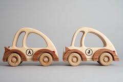 Juguete de los niños, un coche de madera viejo Fotografía de archivo libre de regalías
