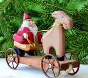 Juguete de madera de Papá Noel Imagenes de archivo