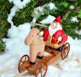 Juguete de madera de Papá Noel Fotografía de archivo libre de regalías