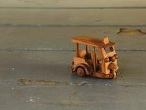 Juguete de madera del triciclo tailandés Imagen de archivo