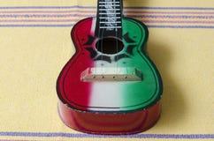 Juguete de madera de la guitarra