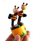 Juguete de madera las abejas del baile Foto de archivo