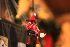 Juguete decorativo de la decoración de la Navidad y del Año Nuevo en estilo retro Imágenes de archivo libres de regalías