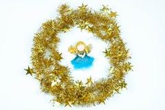 Juguete del ángel Composición de la Navidad Preporation por Año Nuevo imagenes de archivo