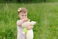 Juguete del abarcamiento de la muchacha Imagen de archivo libre de regalías