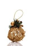 Juguete del oro de la Navidad aislado en el fondo blanco Fotos de archivo libres de regalías