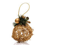 Juguete del oro de la Navidad aislado en el fondo blanco Imagenes de archivo