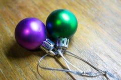 Juguete del ` s del Año Nuevo Una foto de un juguete del ` s del Año Nuevo para adornar un árbol de navidad por un día de fiesta Imagenes de archivo