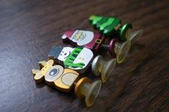 Juguete del ` s del Año Nuevo Una foto de un juguete del ` s del Año Nuevo para adornar un árbol de navidad por un día de fiesta Fotos de archivo