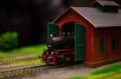 Juguete del tren eléctrico, modelado del transporte ferroviario Imagen de archivo libre de regalías