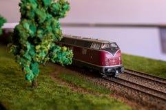 Juguete del tren eléctrico, modelado del transporte ferroviario Fotos de archivo