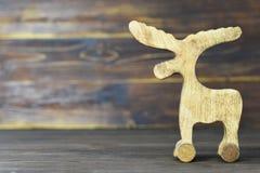 Juguete hecho a mano del reno de la Navidad Foto de archivo