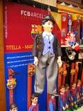 Juguete-marioneta en la tienda imagen de archivo