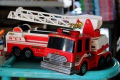 Juguete rojo del Firetruck del vintage retro Fotografía de archivo