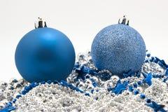 Juguetes azules del abeto de la Navidad Foto de archivo