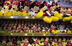 Juguetes de la felpa de Mickey y de Minnie Mouse Imágenes de archivo libres de regalías