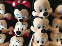 Juguetes de la felpa de Minnie Mouse y de Mickey Mouse Fotografía de archivo