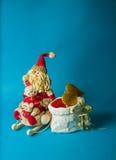 Juguetes de la Navidad en fondo azul Imágenes de archivo libres de regalías