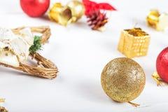 Juguetes de la Navidad en una tabla Fotografía de archivo libre de regalías