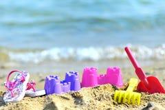 Juguetes de la playa de los niños Fotografía de archivo libre de regalías