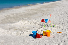 Juguetes de la playa de los niños Fotografía de archivo