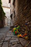 Juguetes de los niños en las calles en Groznjan, Istria Fotografía de archivo libre de regalías