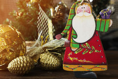 Juguetes de madera de la Navidad para el árbol de navidad Juguete de Santa Claus Foto de archivo