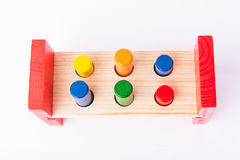 Juguetes de madera del desarrollo infantil temprano en blanco Imagenes de archivo