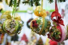 Juguetes del Año Nuevo en la Navidad justa Imagen de archivo libre de regalías