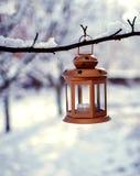 Juguetes del ` s del Año Nuevo y nieve blanca Imágenes de archivo libres de regalías
