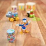 Juguetes del vintage con el carácter animado Donald Duck Imagenes de archivo