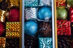 Juguetes embalados hermosos de la Navidad, Imágenes de archivo libres de regalías