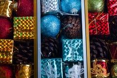 Juguetes embalados hermosos de la Navidad, Foto de archivo libre de regalías