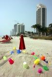 Juguetes en la playa Imágenes de archivo libres de regalías