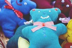 Juguetes hechos a mano del mercado de la Navidad Imágenes de archivo libres de regalías