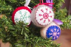 Juguetes hechos punto la Navidad Imagen de archivo