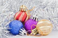 Juguetes para el árbol de navidad Fotos de archivo libres de regalías
