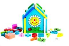 Juguetes para los niños, rompecabezas, geometría Fotos de archivo libres de regalías
