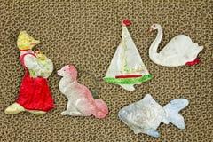 Juguetes viejos de la Navidad de la cartulina El estilo rústico El centro del th Foto de archivo