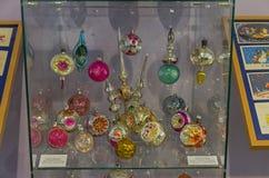 Juguetes viejos de la Navidad - proyectores de las bolas Imagen de archivo libre de regalías